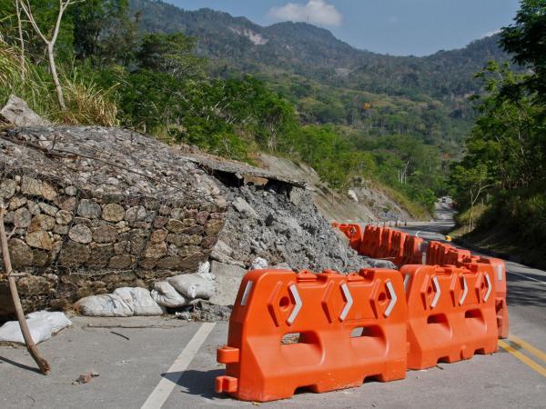 Daños en vías a Barranca