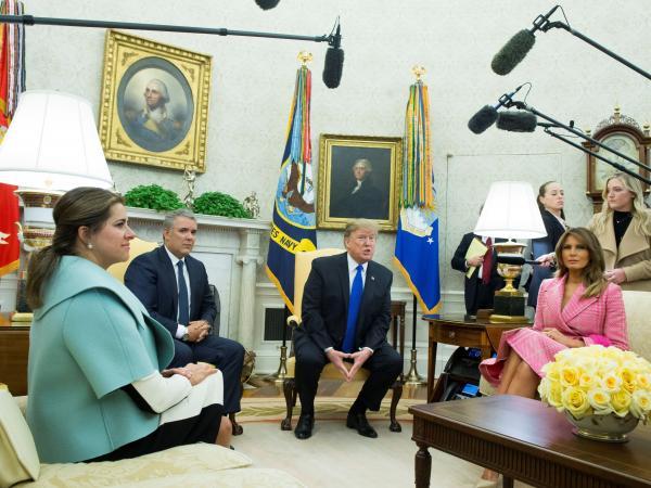 018b853839 El vestido de la Primera Dama en visita a Donald Trump - Gente - Cultura -  ELTIEMPO.COM