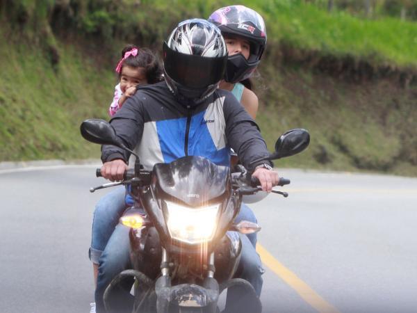 419b9329d4f Nueva norma de cascos para motos en Colombia - Salud - Vida ...