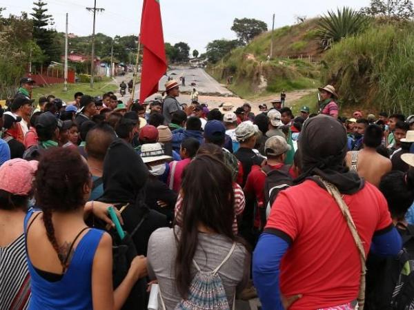 Los bloqueos en la vía Panamericana por cuenta de comunidades de la Minga en Cauca llevan dos semanas.