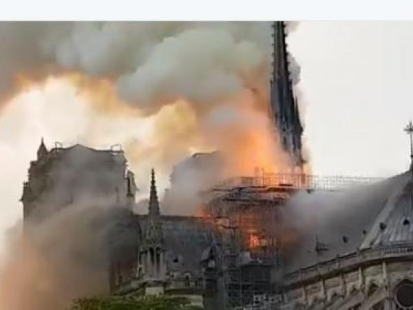 Incendio en Notre Dame 4