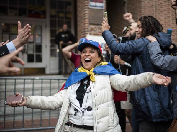 Toma de embajada de venezuela en Washington
