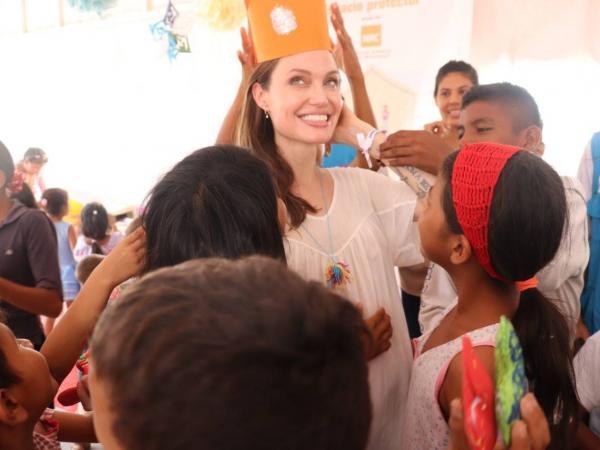 Angelina Jolie visitó el Centro de Atención Integral para Migrantes y Refugiados de este organismo, ubicado en Paraguachón, en la frontera colombo – venezolana.