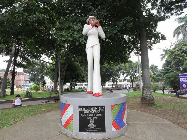 El Obrero le rinde homenaje a Píper Pimienta con un monumento en el barrio.