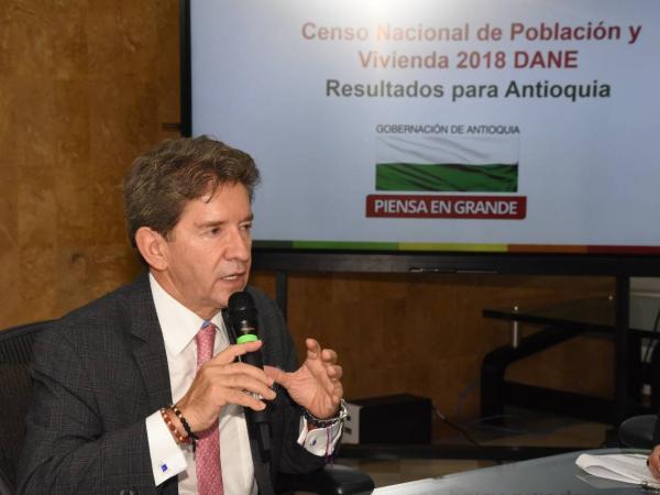 Gobernador de Antioquia Luis Pérez