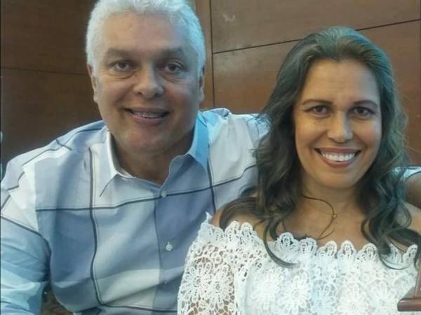 Alcibiades Libreros Varela en compañía de su hermana Carmenza Libreros.