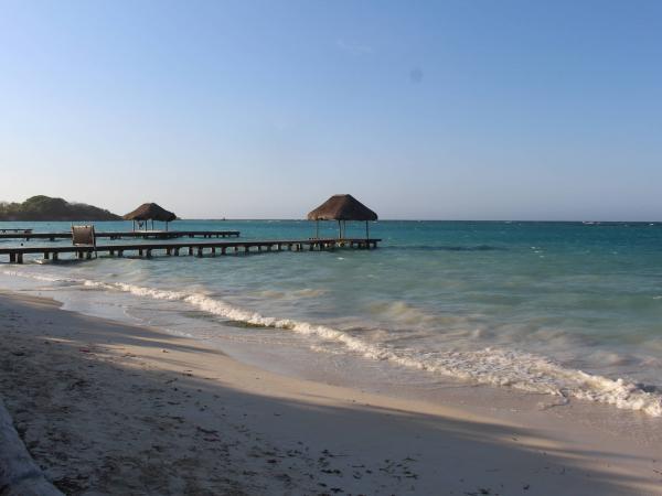 Playa libre, una de las playas que ofrecen ilegalmente operadores turísticos en las calles de Cartagena.
