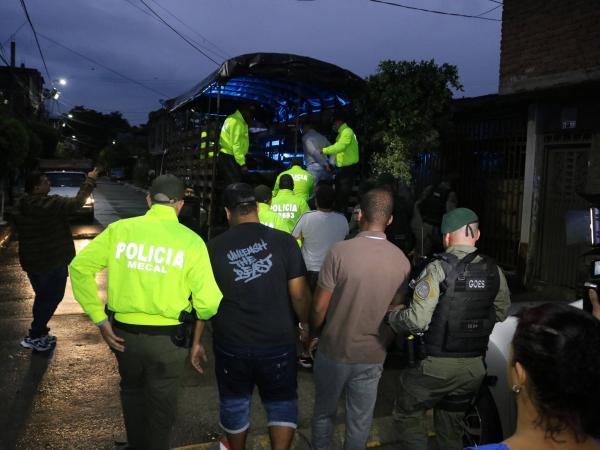 Policía realizó 15 allanamientos en el oriente de Cali; y en Jamundí.