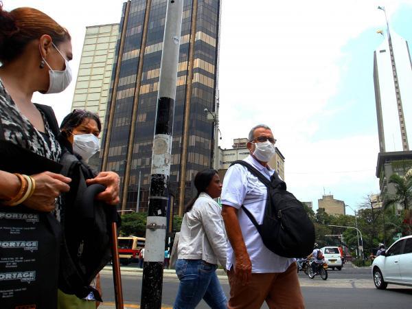 Uso de tapabocas en Medellín por casos de coronavirus