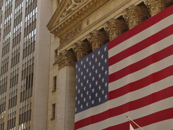 Estados Unidos anuncia megaplan económico contra el coronavirus