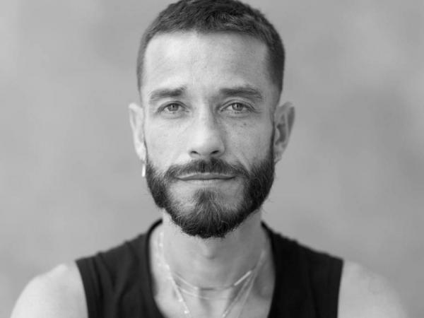 Artista plástico Carlos Motta