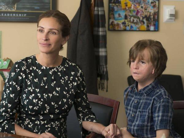 Julia Roberts y Jacob Tremblay, en 'Extraordinario'