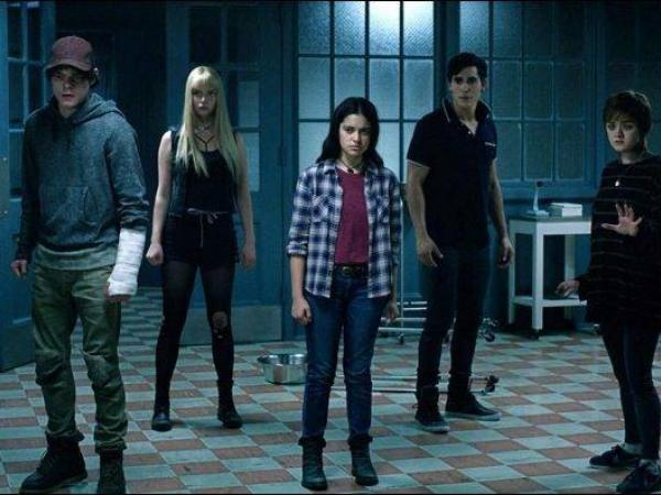 Los nuevos mutantes es orotagonizada por Anya Taylor-Joy, Maisie Williams, Charlie Heaton, Henry Zaga, Blu Hunt, y Alice Braga.