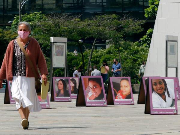 Exposición No es hora de callar en Medellín