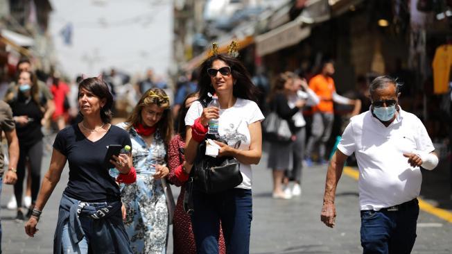 Israel permite no usar tapabocas al aire libre