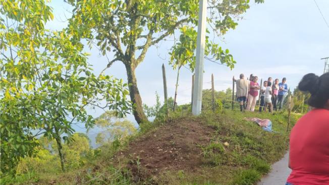 En zona rural de Jamundí fueron asesinados dos hombres y una mujer