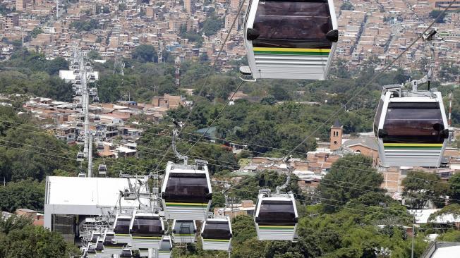 Medellín inauguró el Metrocable El Picacho