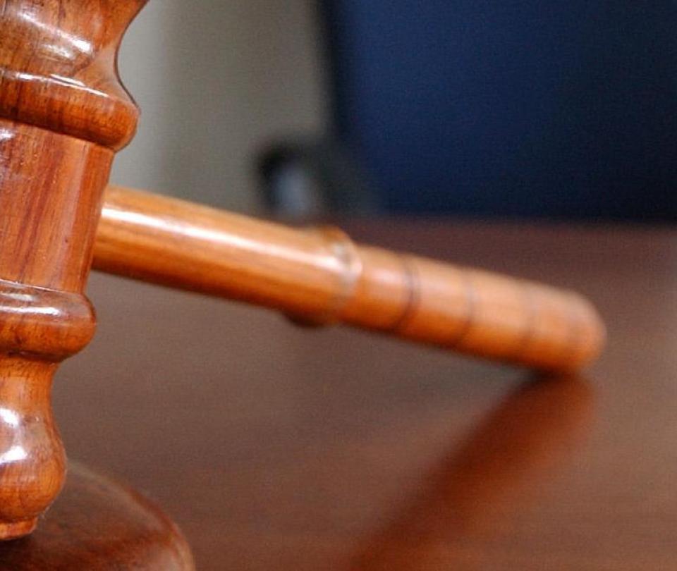 Proyecto de ley en Polonia castigaría con cárcel la educación sexual