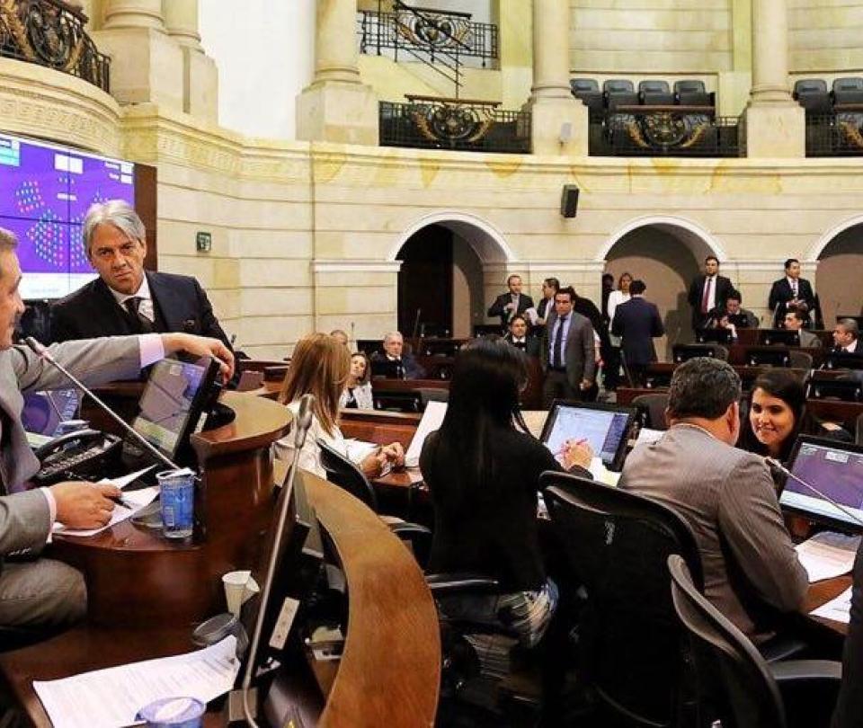 Se despeja camino para la JEP en el Senado y el uribismo pide acuerdo