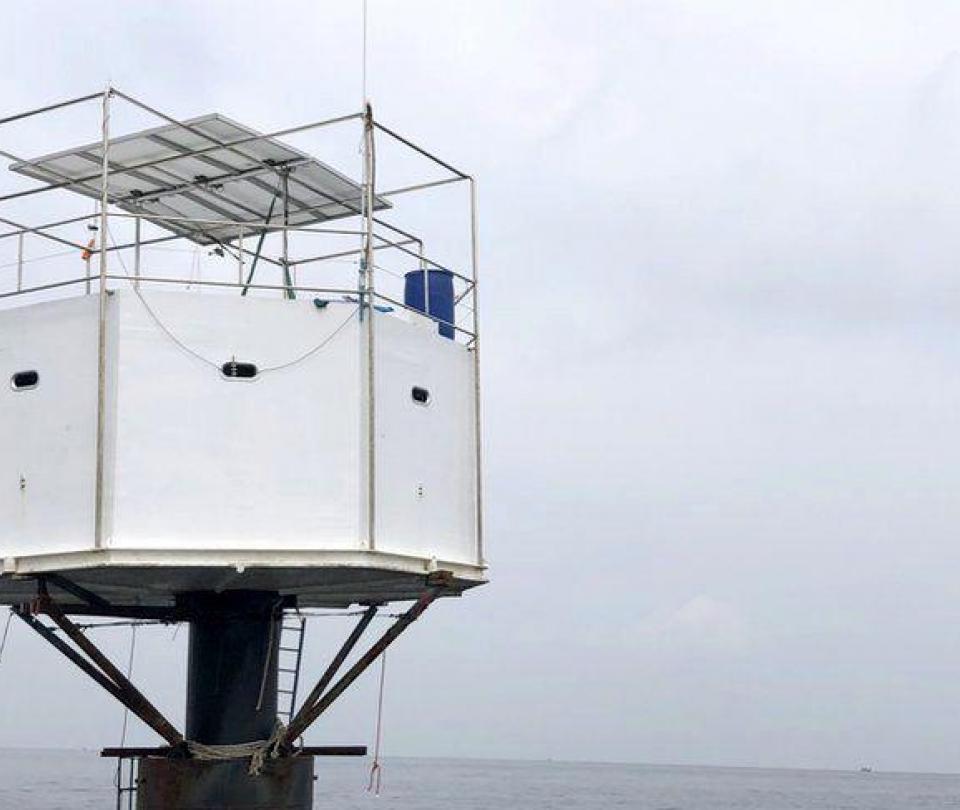 La pareja en riesgo de pena de muerte por construir una casa en el mar