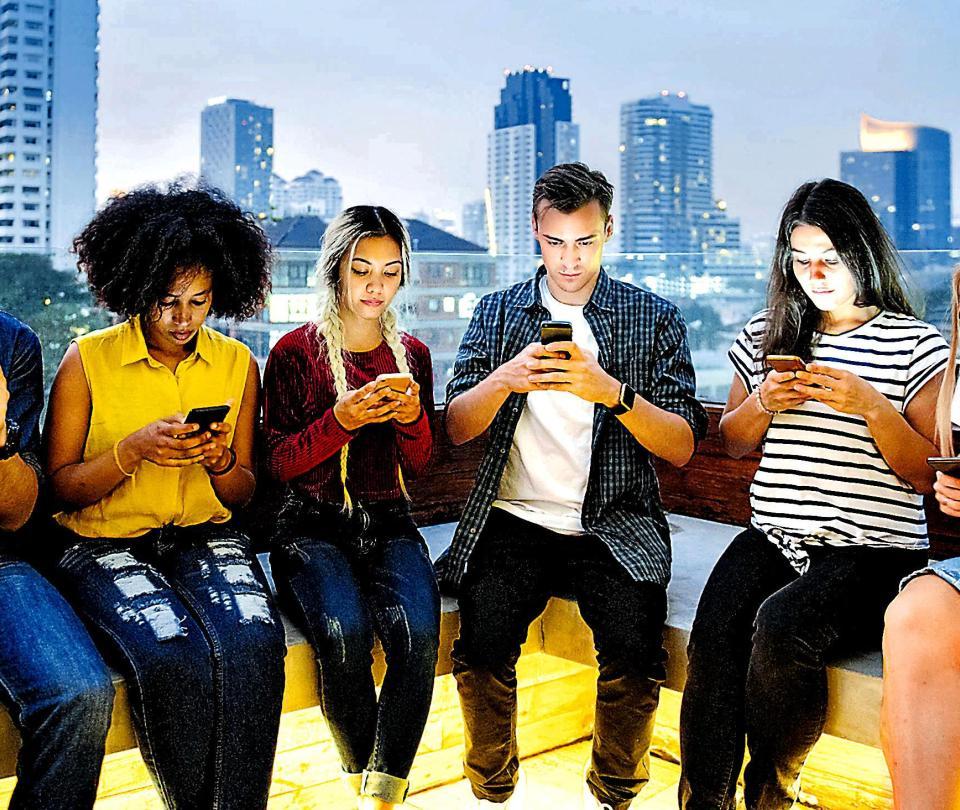 Minimalismo digital, la ruta para que deje de ser un adicto al celular
