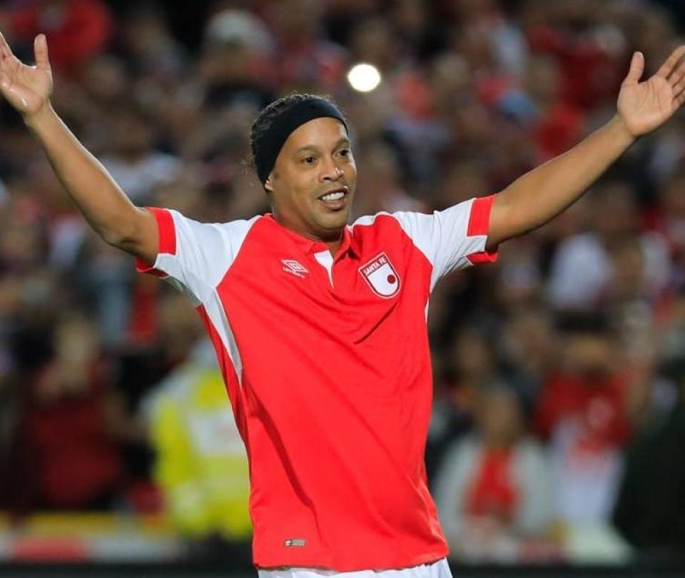 Ronaldinho enloqueció a Bogotá