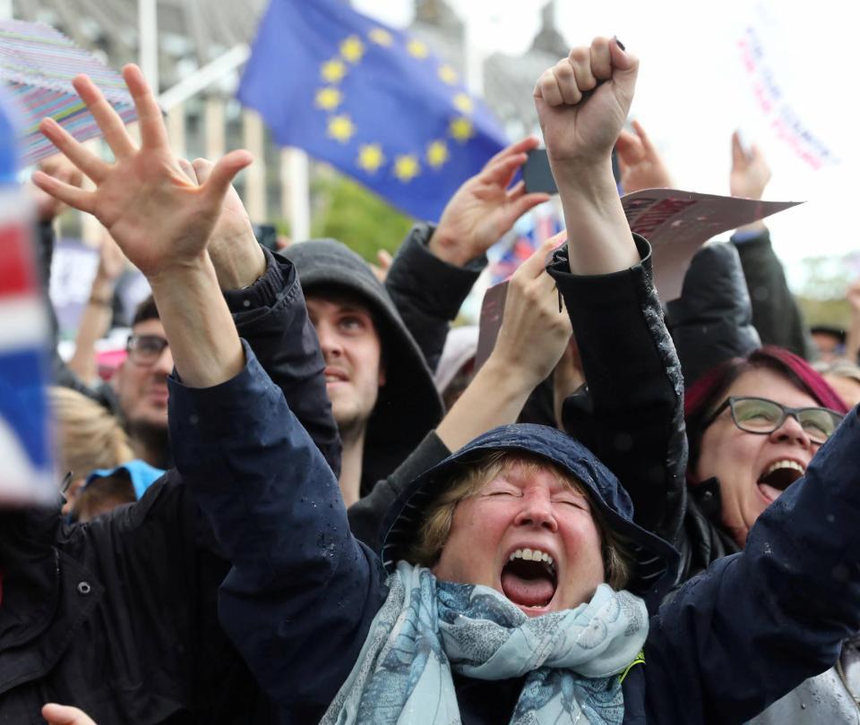 Parlamento británico le pone freno al acuerdo de 'brexit' de Johnson