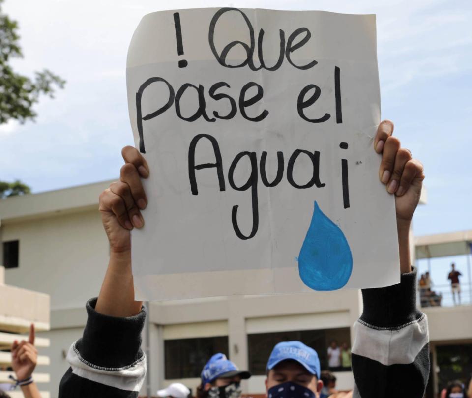 Nicaragua, bajo presión por asedio a opositores