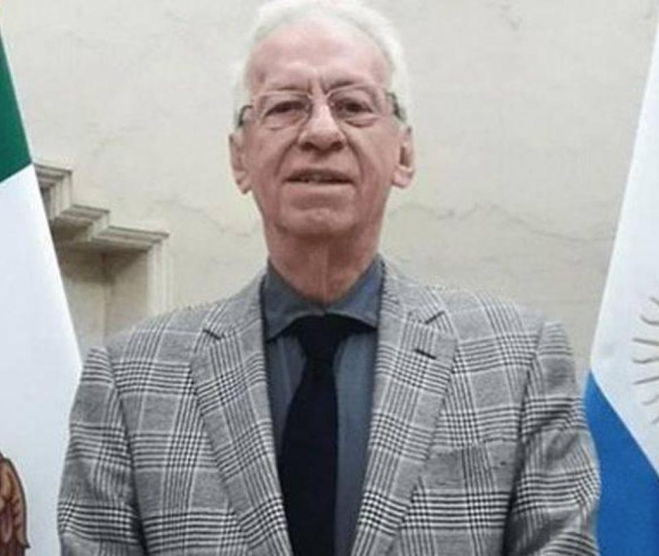 Embajador mexicano en Argentina desata polémica por robo de un libro
