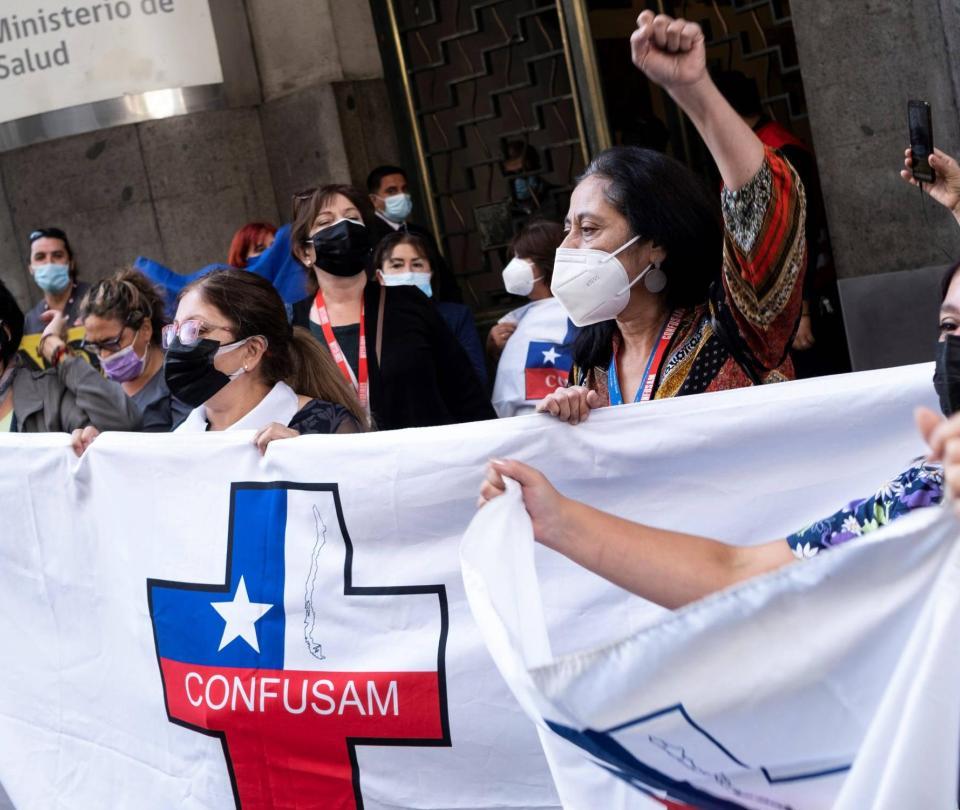 Sistema de salud de Chile está al borde del colapso