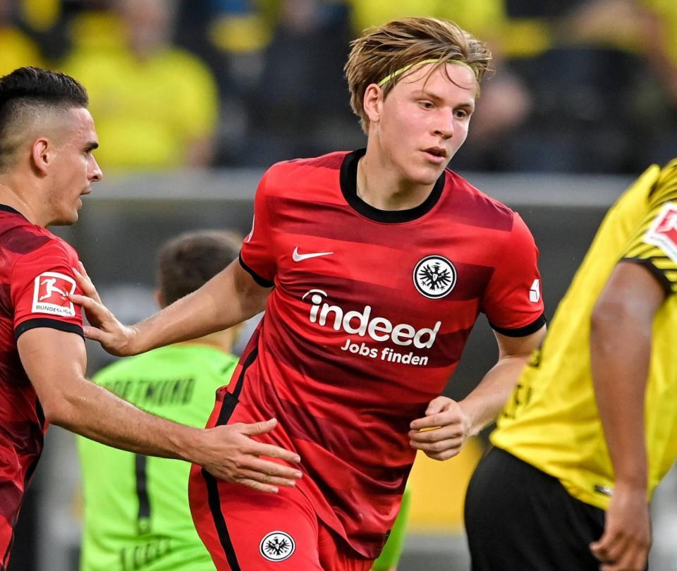 Rafael Santos Borre: vea el primer gol que anota en Alemania