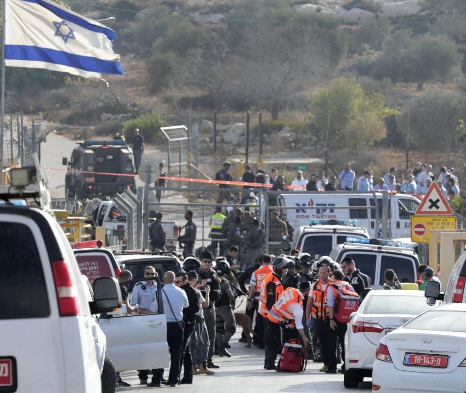 Tres israelíes mueren por disparos de un palestino en Cisjordania