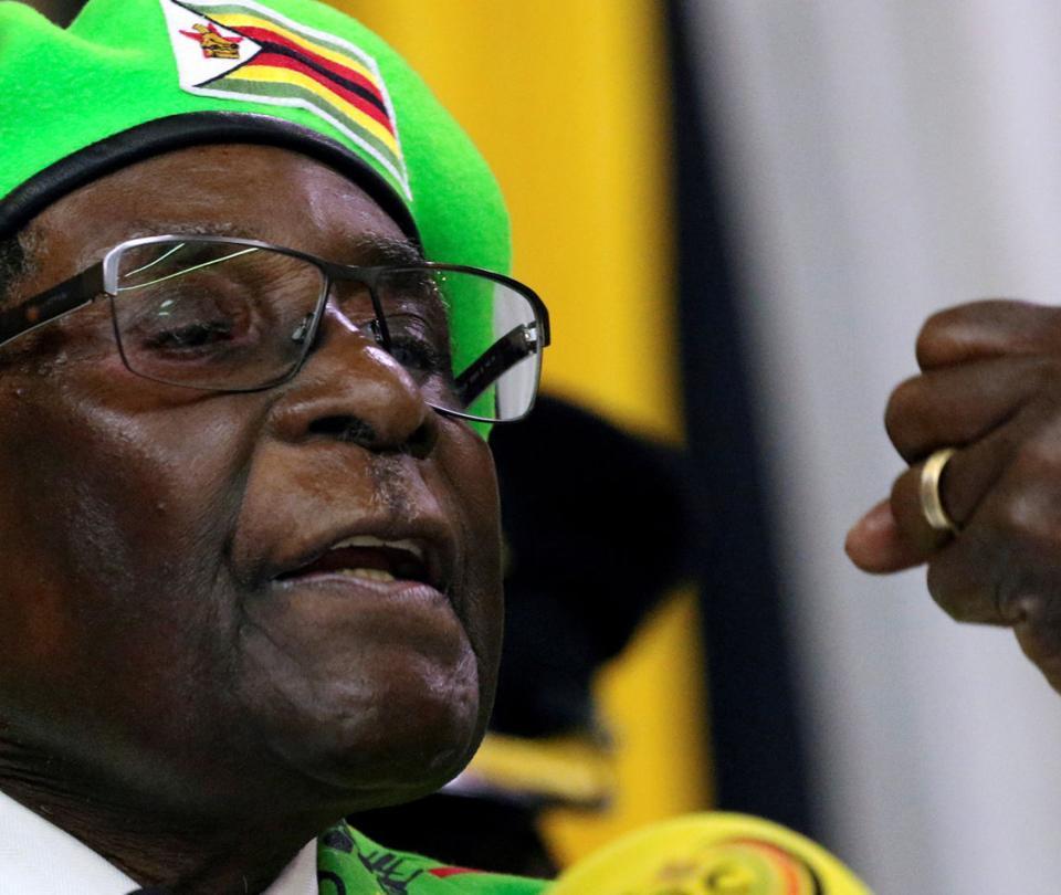 Mugabe no dimite y pide que Zimbabue vuelva a la normalidad