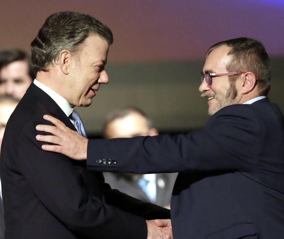 Santos propone a 'Timochenko' que se reúnan el próximo viernes