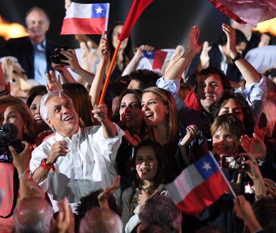 El ocaso de Bachelet y el renacer de Piñera