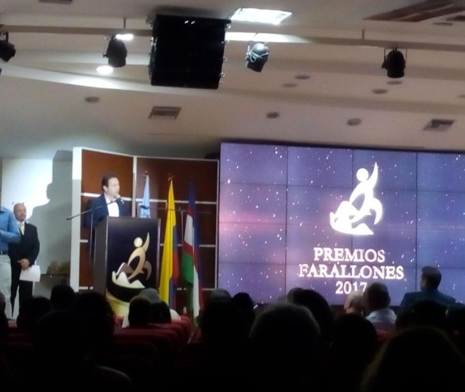 Yuri Alvear y Óscar Figueroa, los mejores en Premios Farallones