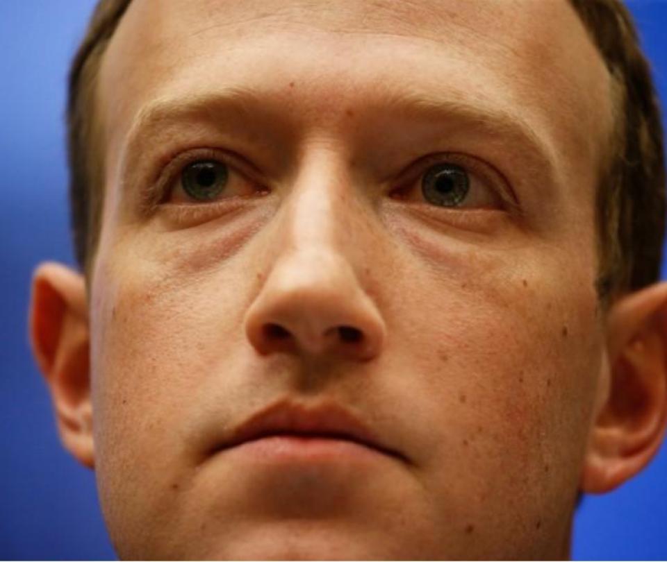 Facebook no eliminará los mensajes de negación del Holocausto