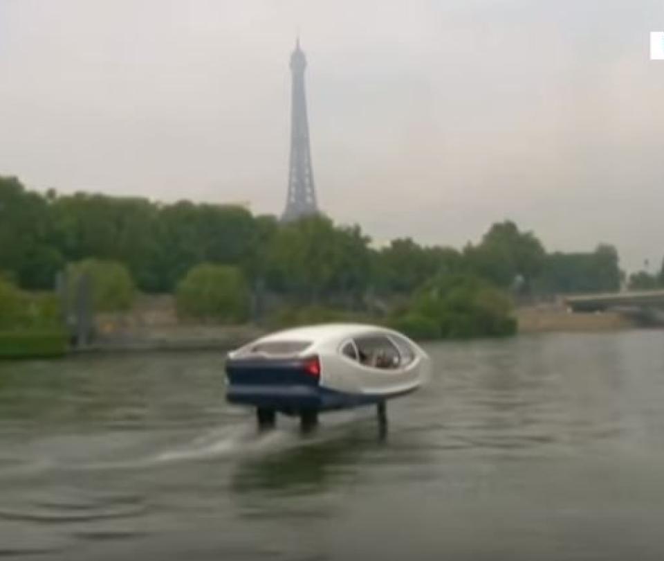 En París contemplan los taxis acuáticos como alternativa al tráfico