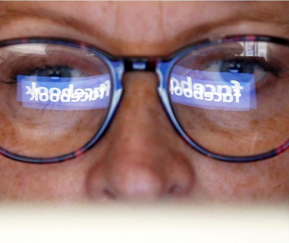 Facebook no eliminará las noticias falsas de su 'News Feed'