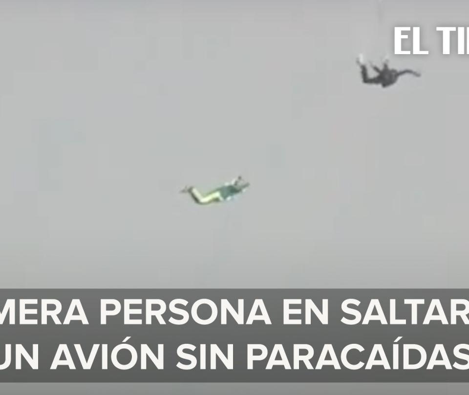 Hombre salta a 25.000 pies de altura sin paracaídas y sobrevive