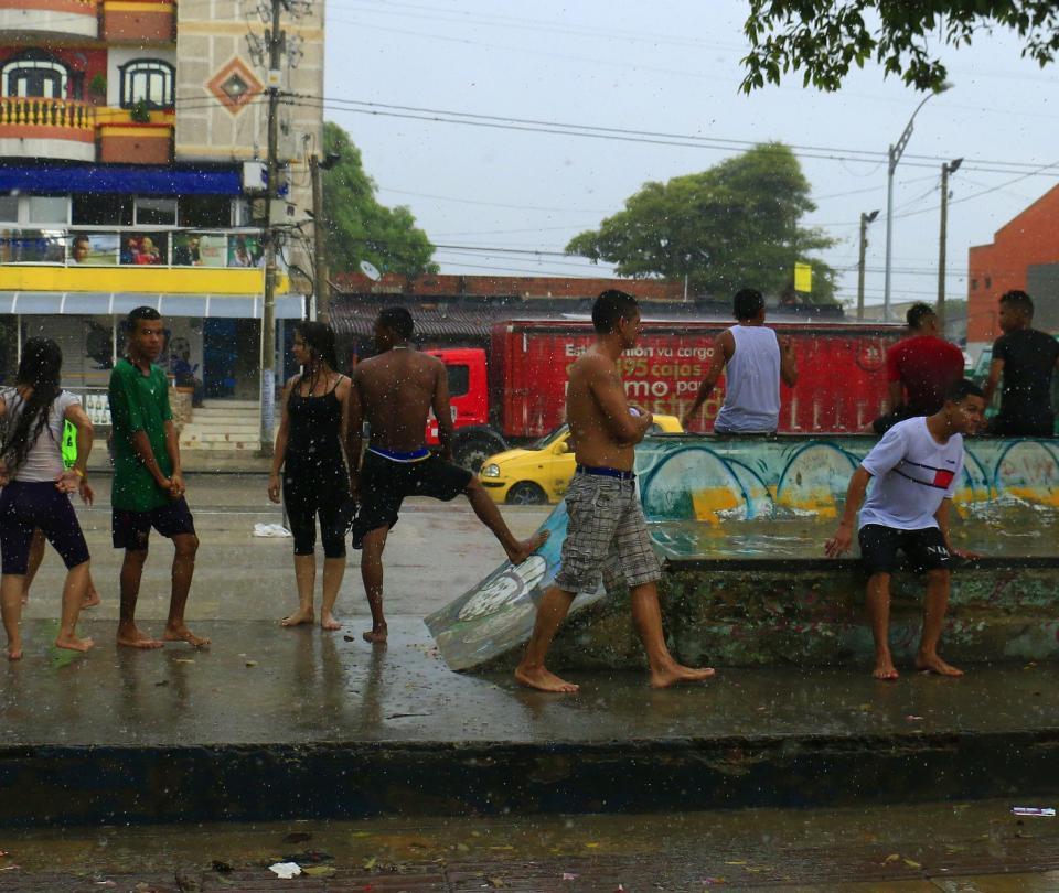 La alegría que trae la lluvia a Barranquilla
