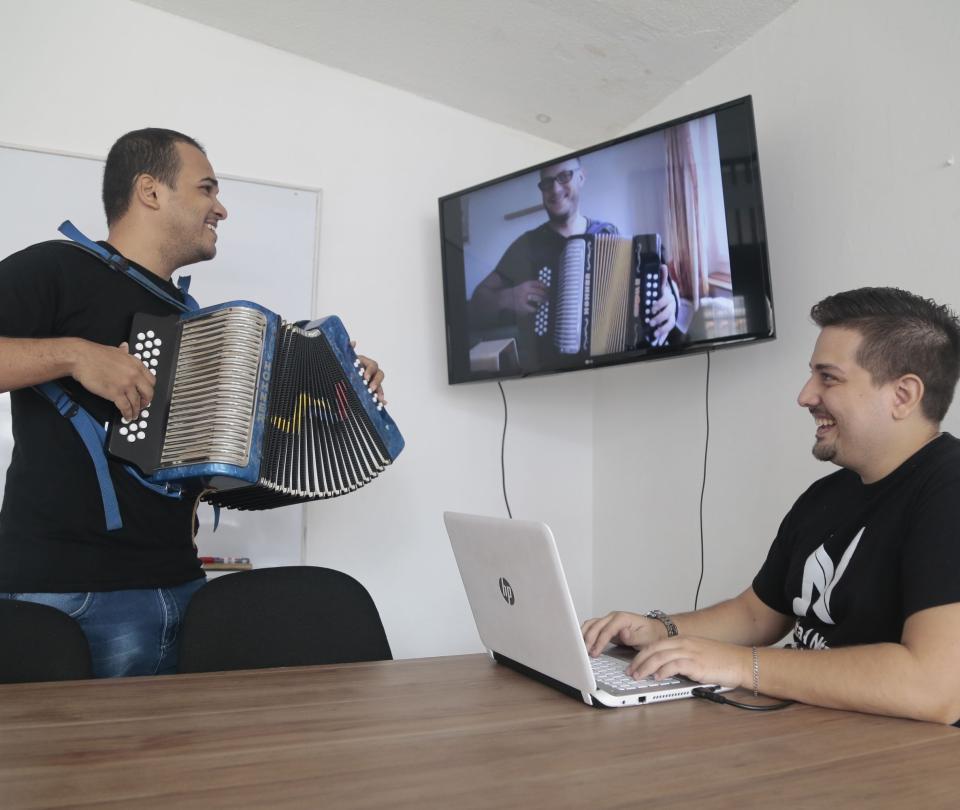 Crean la primera academia virtual para acordeoneros en Bucaramanga