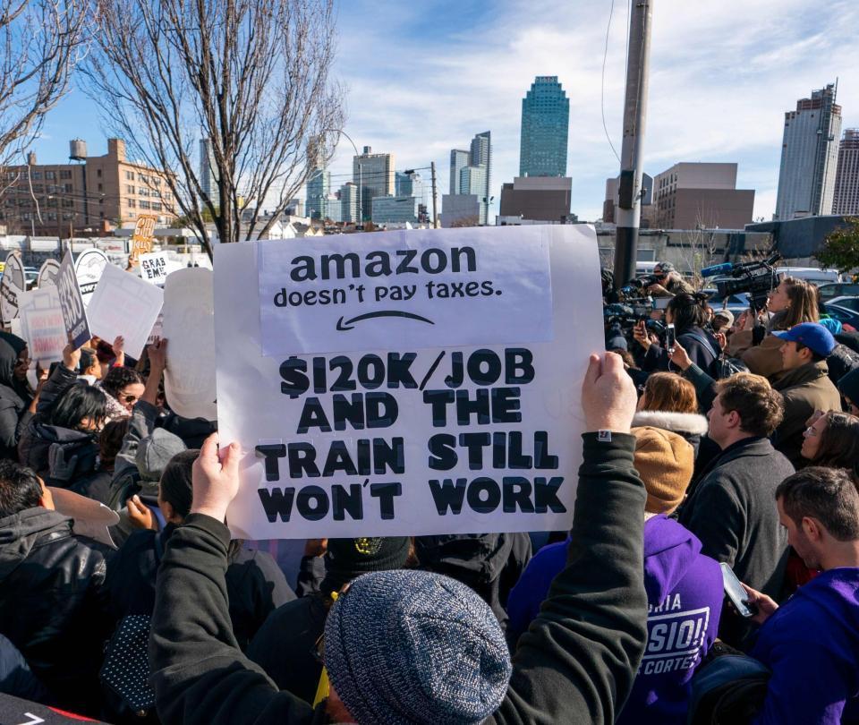 Llegada de Amazon genera división: protestas en Nueva York