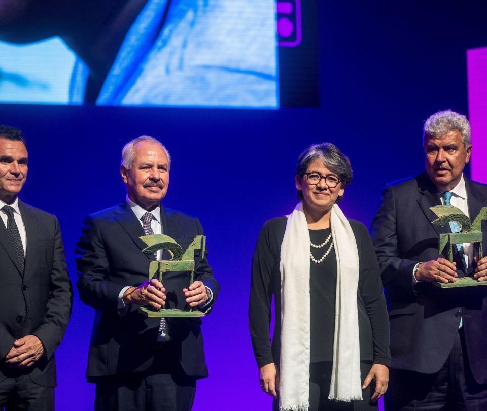 Caracol Radio y RCN Radio, premiadas en España en su 70º aniversario