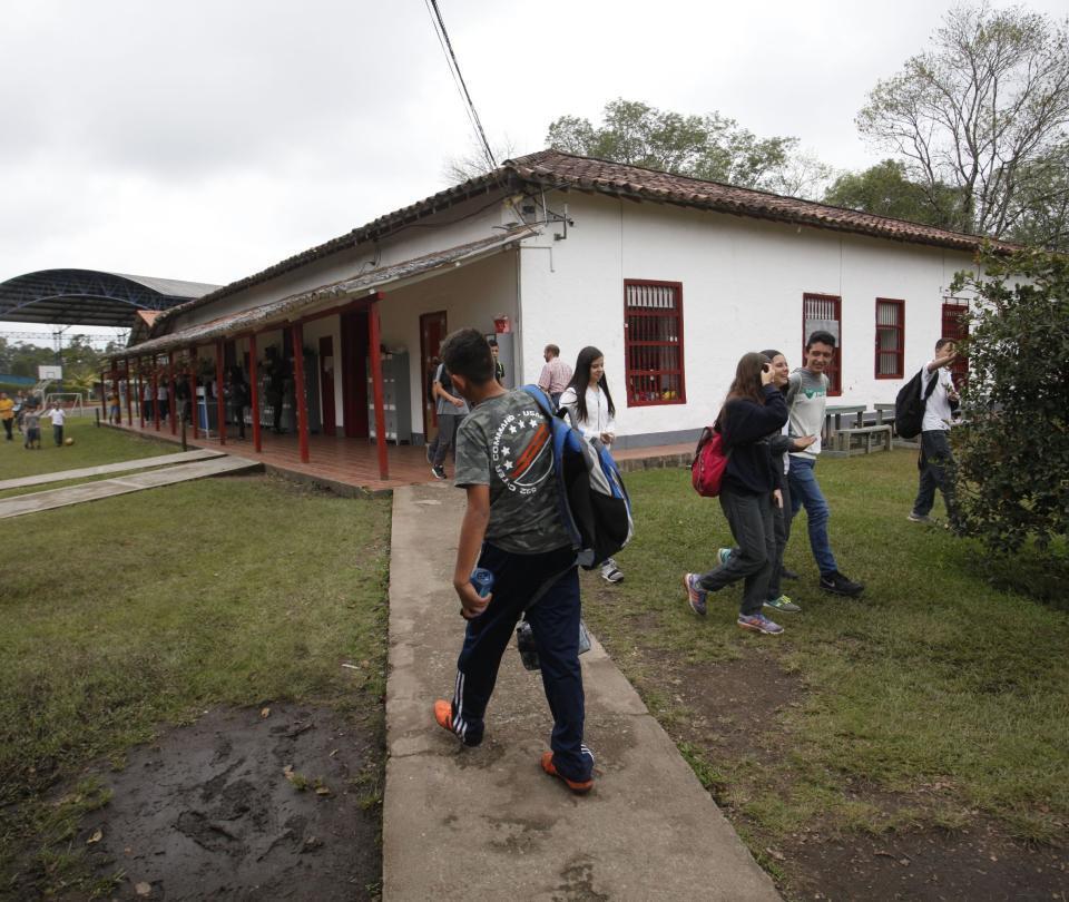 Colegio El Triángulo cambia de sede, pero su vocación persiste