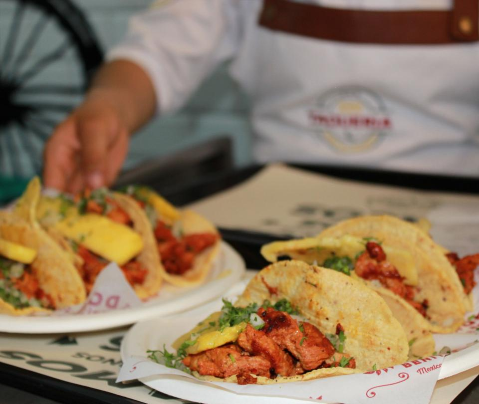 Don Benítez presenta sus 'Tacos de a de veras'