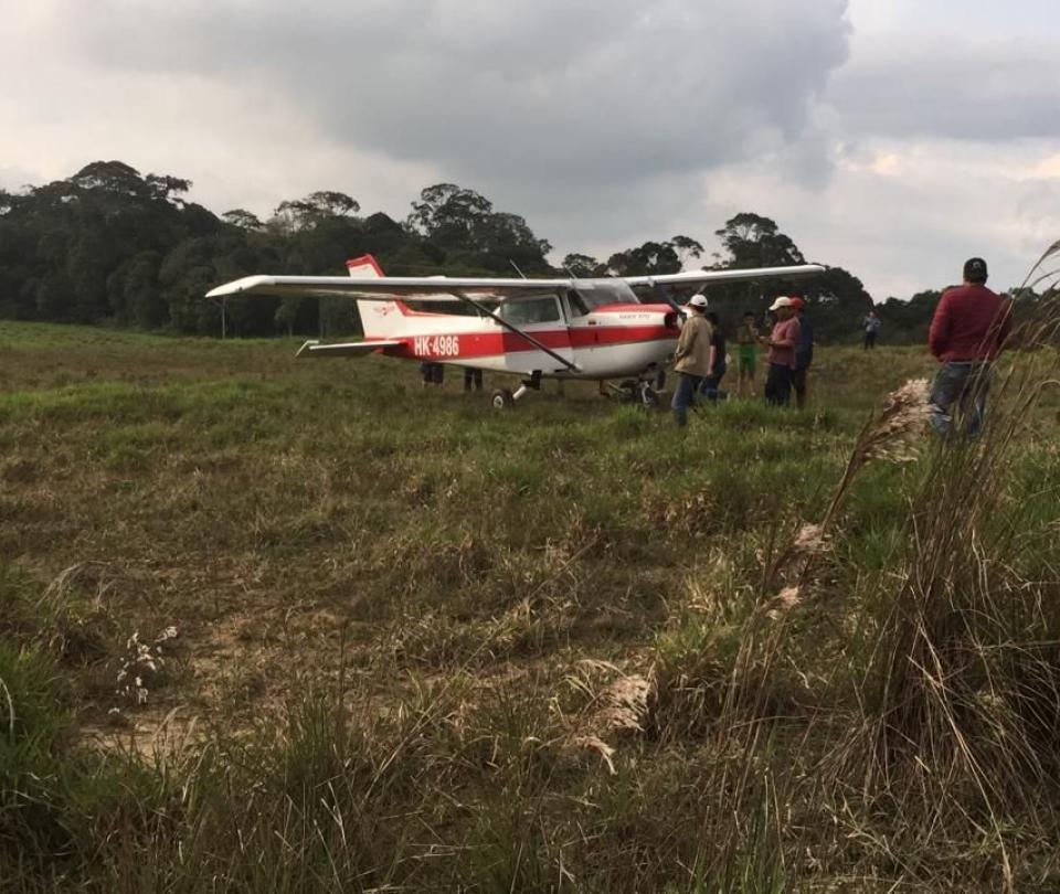 Avioneta aterrizó de emergencia en La Mesa de los Santos