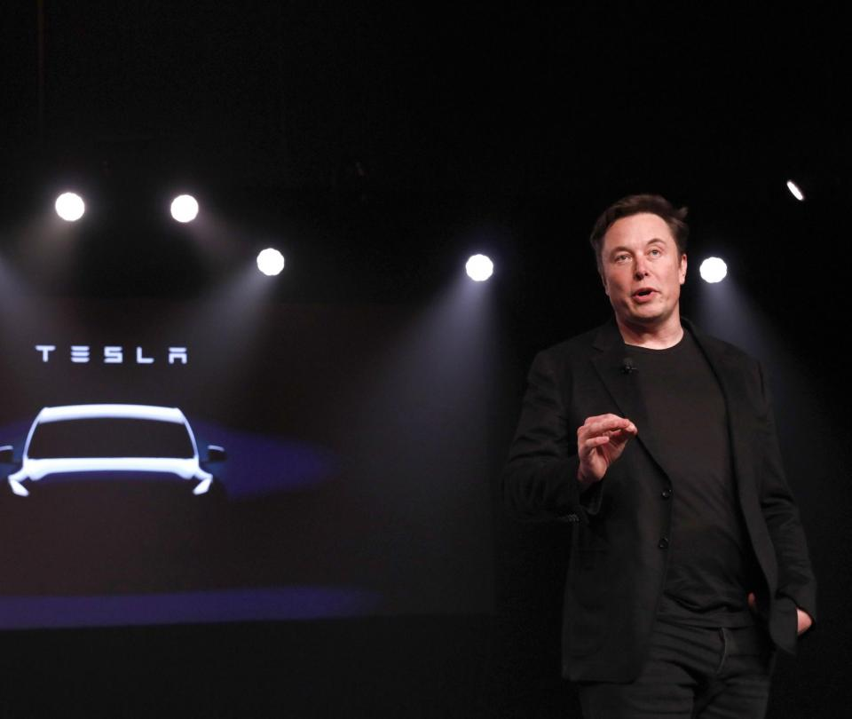 Elon Musk advierte a empleados: si no van a trabajar no recibirán paga