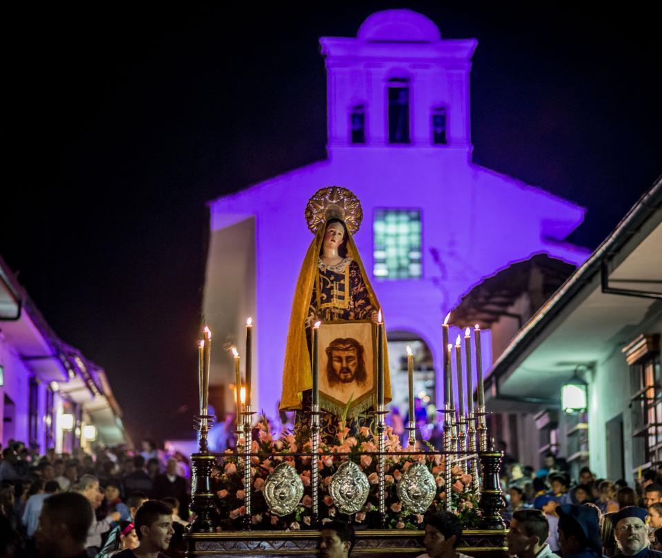 ¿Por qué en Colombia son festivos el jueves y viernes de Semana Santa?