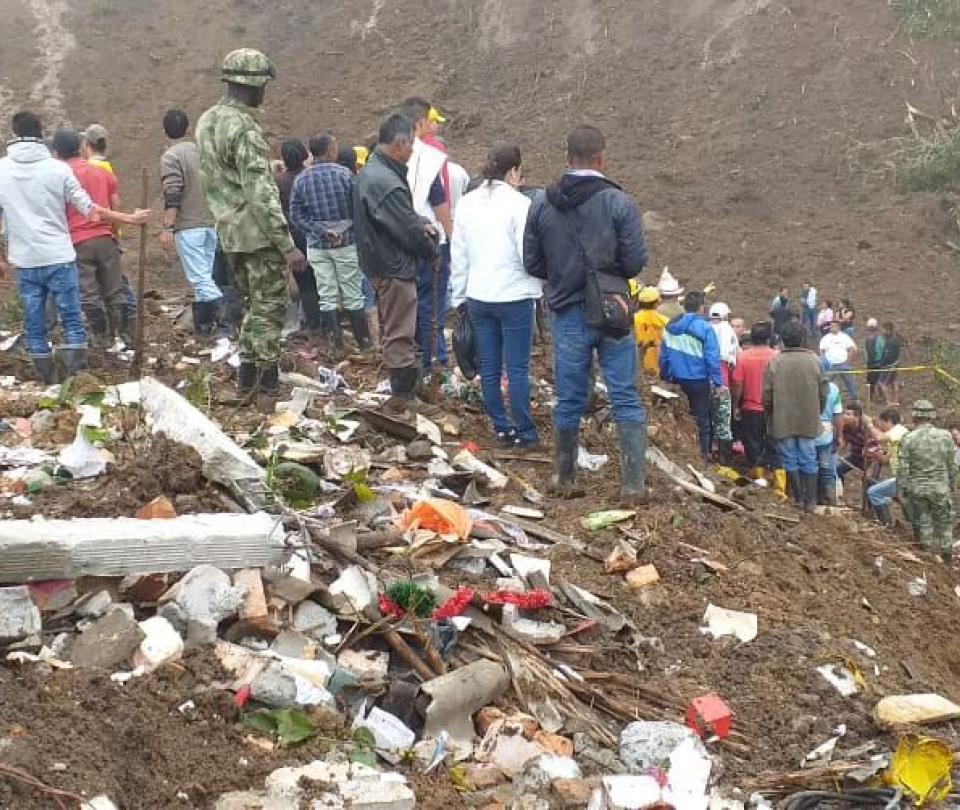 Ya son 27 las personas muertas tras derrumbe en Rosas, Cauca